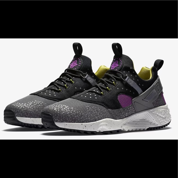 the best attitude 856fe 28a1d Nike Air Huarache Utility Premium Berry sz 8.5
